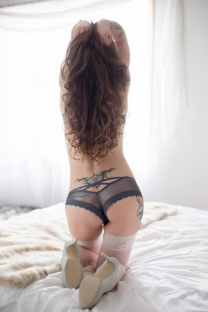 Mariane busty escort in Linden