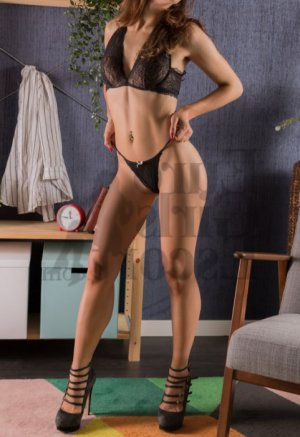 Boutaina escorts