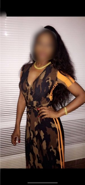 Giana escort girls in Solana Beach