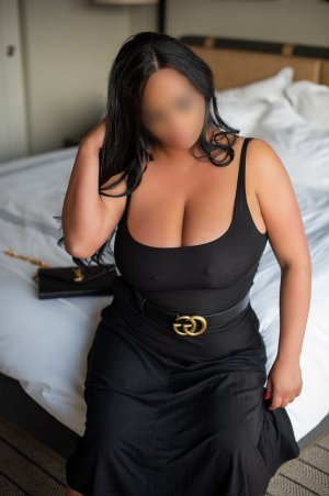 Liyah live escort in Newcastle